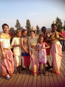 African thai dancers